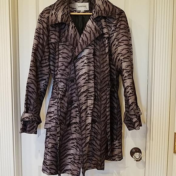 dc3fa50ede Avenue Jackets & Coats   Animal Print Windbreakerraincoat   Poshmark